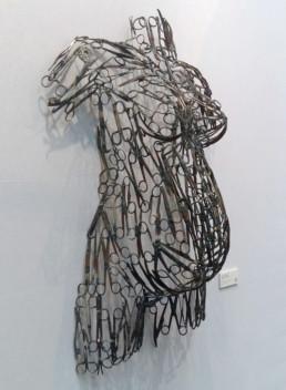Femme ciseaux n°33_Gauche_2017_Freddy Tsimba_galerie Angalia